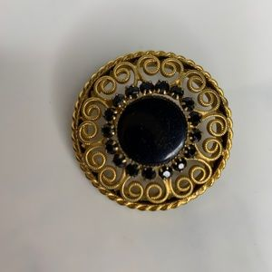 Vintage Round Gold Plated & Onyx Pin Brooch